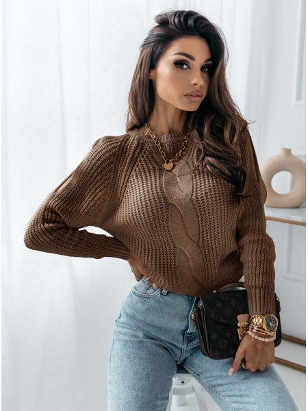 Sweter z warkoczowym...