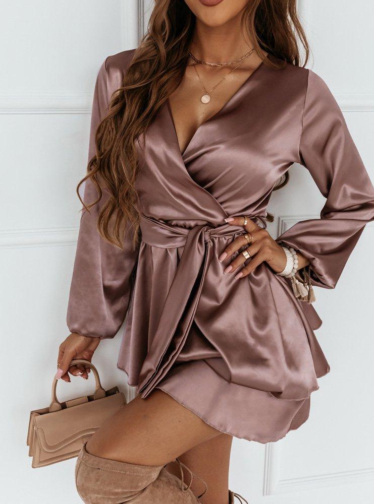 Beżowa satynowa sukienka z podwójną...