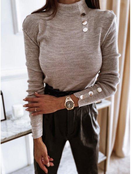 Szary sweter z golfem i...