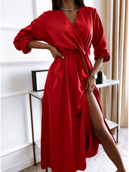 Malinowa sukienka satynowa...