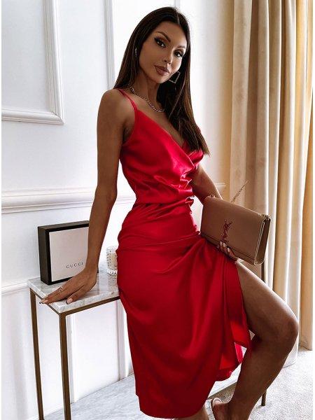 Malinowa satynowa sukienka...