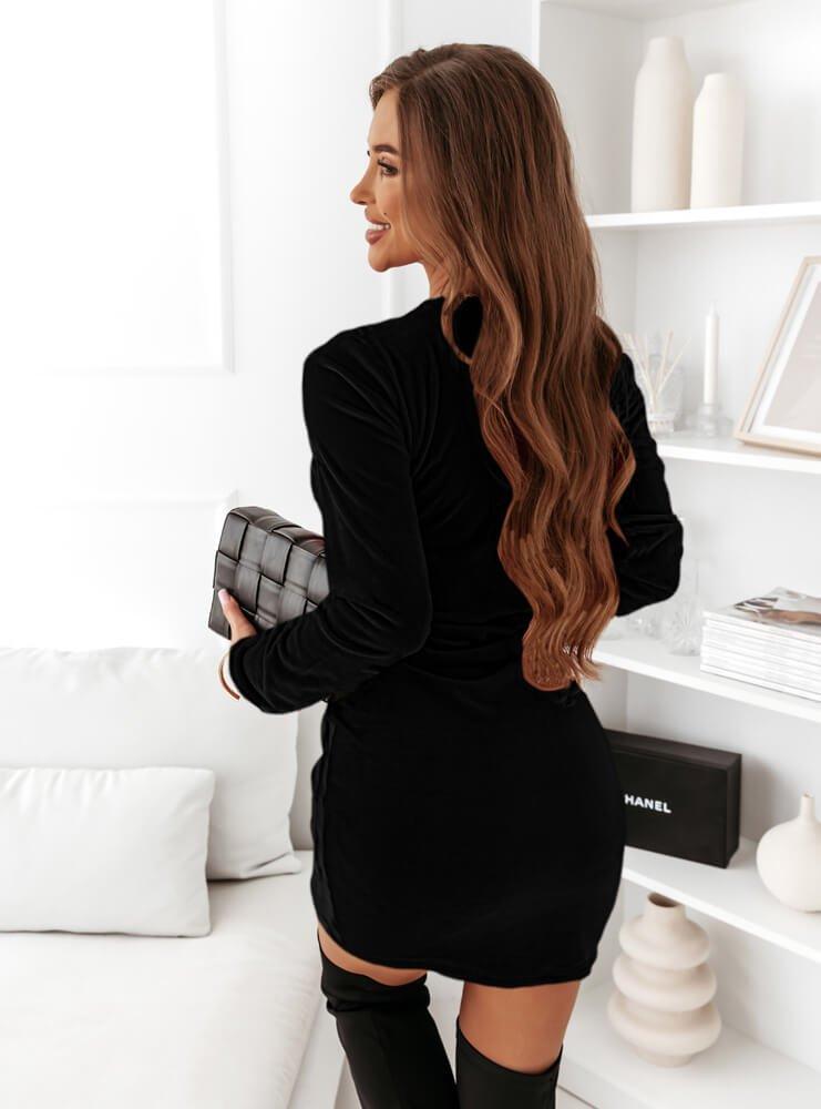 Czarna sukienka welurowa z długimi...