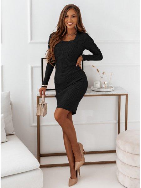 Czarna prążkowana sukienka...