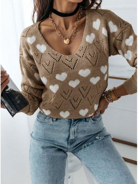Wygodny sweter w serduszka...