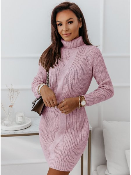 Pudrowa sweterkowa sukienka...