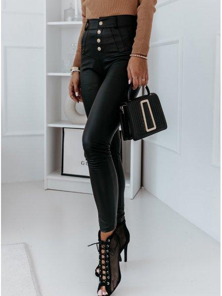Czarne legginsy z eko skóry...