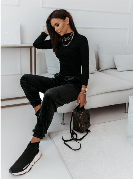 Czarne welurowe spodnie...