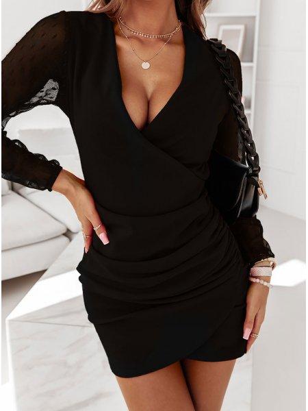 Czarna sukienka z tiulowymi...