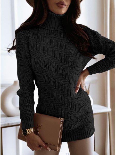Czarny sweterek z golfem i...