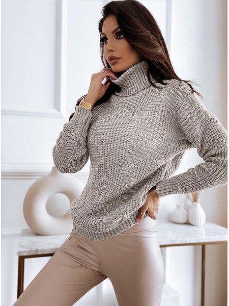 Beżowy sweter z golfem i...