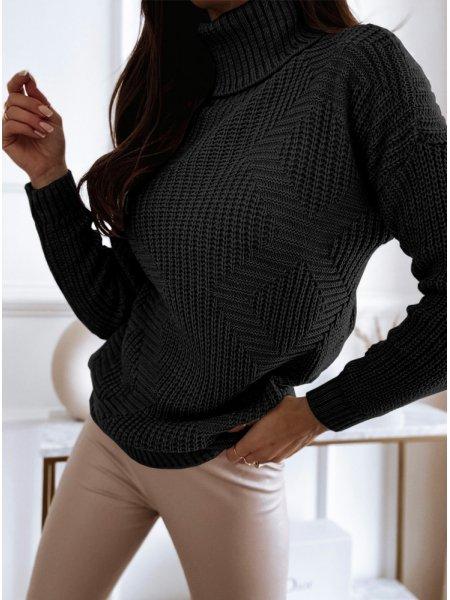 Czarny sweter z golfem i...