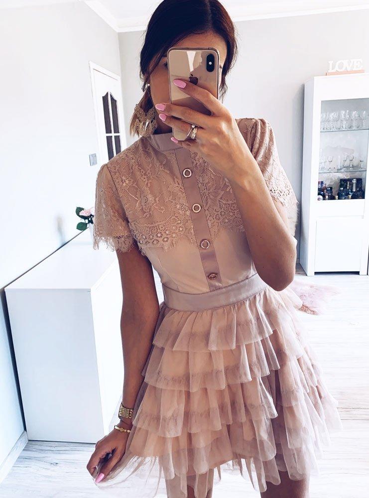 326c25d0c5 Wizytowa sukienka z falbanami i guzikami arissa - cena